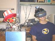 頭の姿勢をロボットがまねて離れた場所を好きな視野で見えます